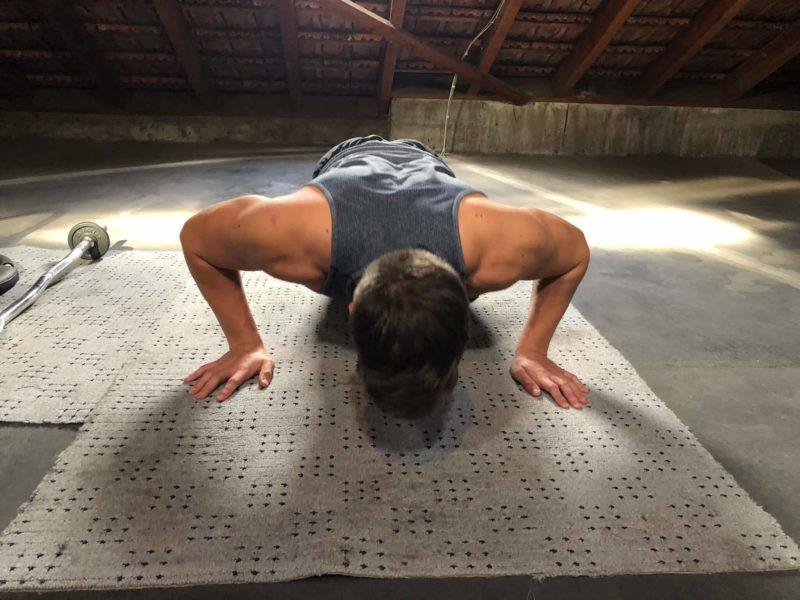 Muskelaufbau Übungen mit Liegestütze